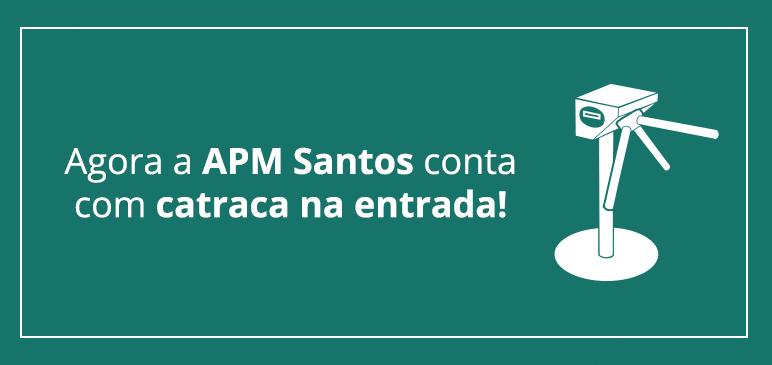 Catraca na entrada da APM Santos